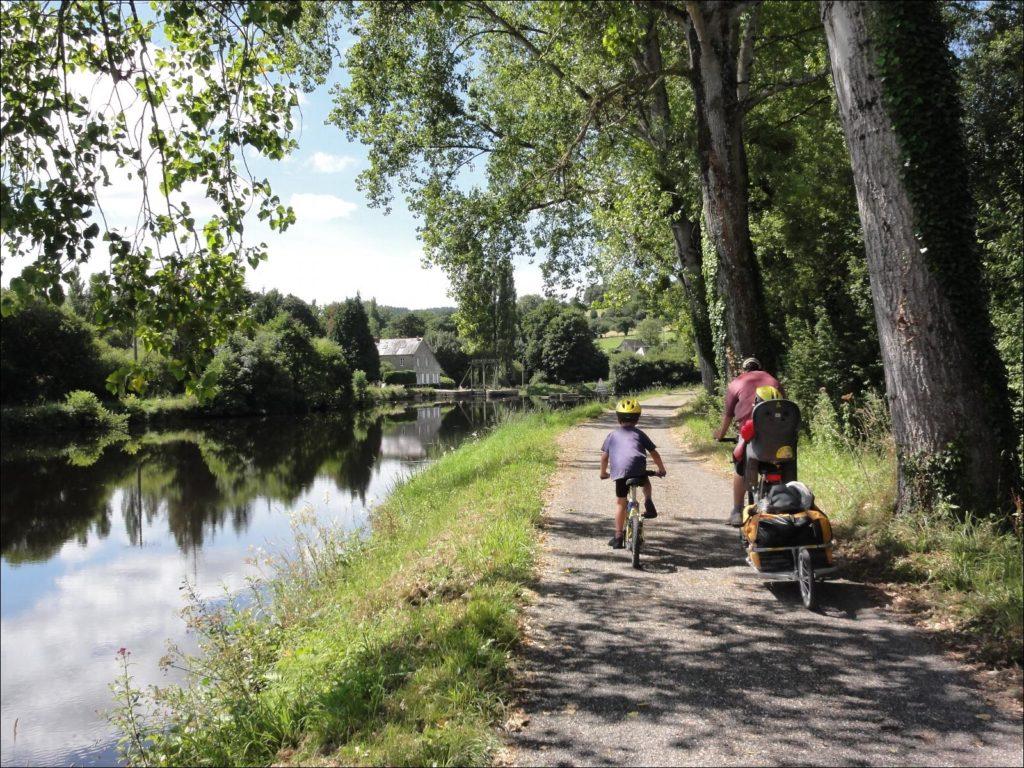 Canal de Nantes à Brest à vélo en famille, 3 enfants
