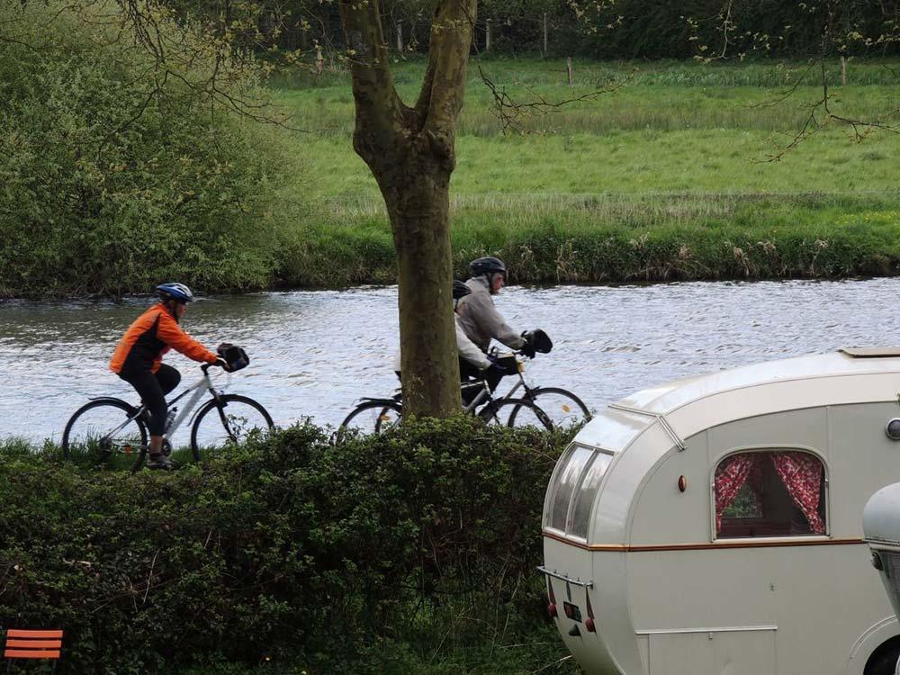 location de vélos canal nantes brest