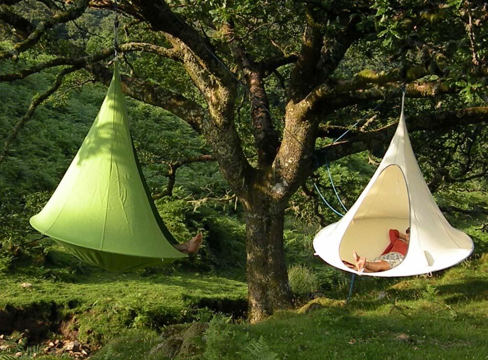 les tentes suspendues