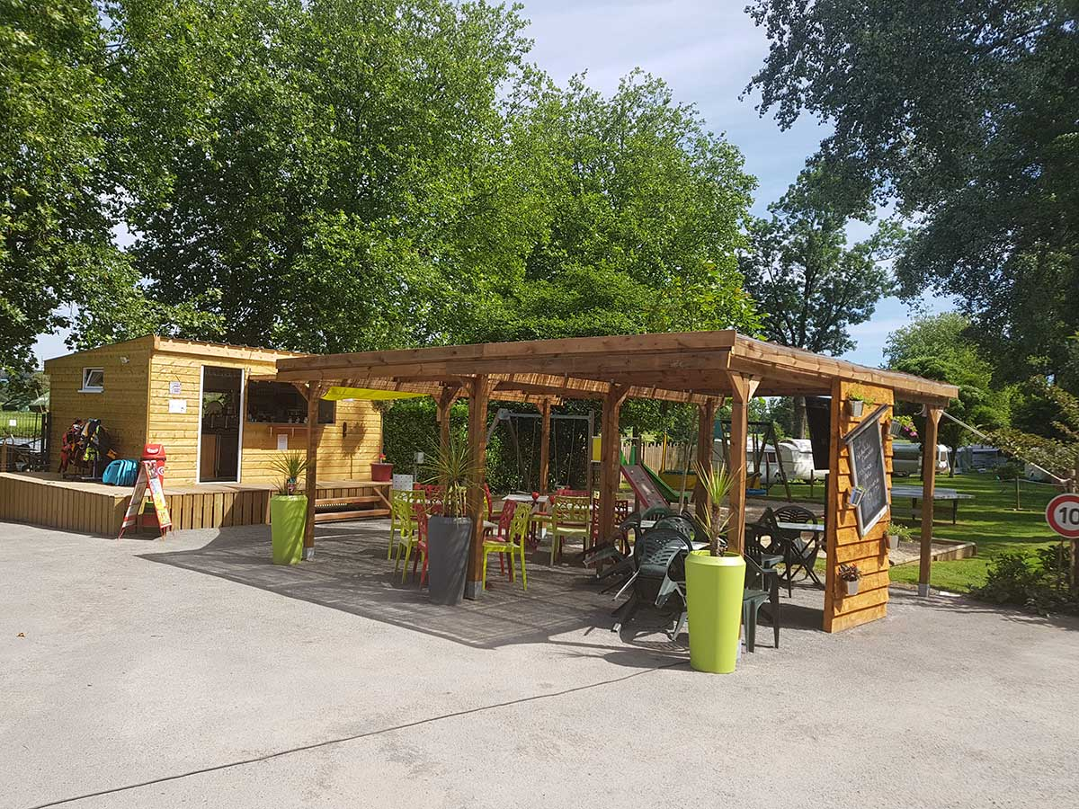 terrasse le snack du camping
