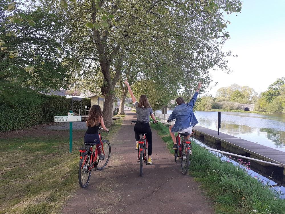vélo sur le halage 2